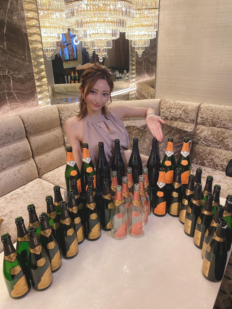 メイサのコロナバブル!! 海外VIPの指名が止まらない このご時世に高額ボトルが下りまくるミステリー♥