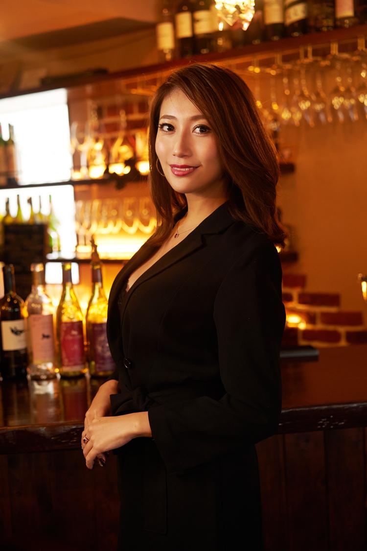 タンス貯金でワインバーをオープンした奥渋育ち元ギャルお嬢の話|齋藤菜月・前編